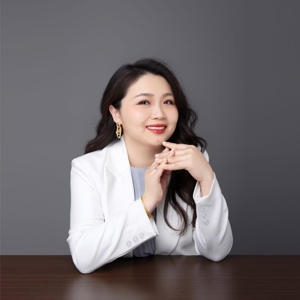 Josephine Huang